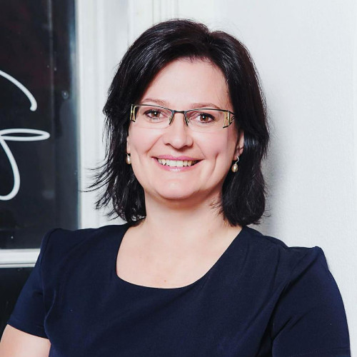 Monika Gundinger, psychologische Beraterin und Coach bei WISH Mindscience in 1140 Wien